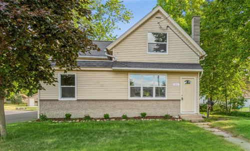 Photo of 806 E Main St, Whitewater, WI 53190 (MLS # 1746905)