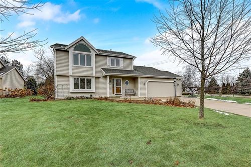 Photo of 3905 S Cavendish Rd, New Berlin, WI 53151 (MLS # 1672908)