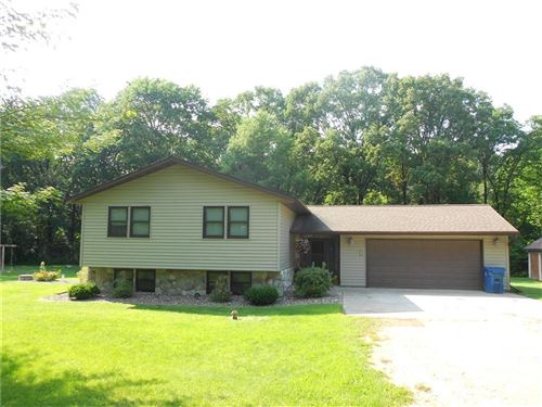 Photo of S75W16775 JACOB CT #19, MUSKEGO, WI 53150 (MLS # 1556909)