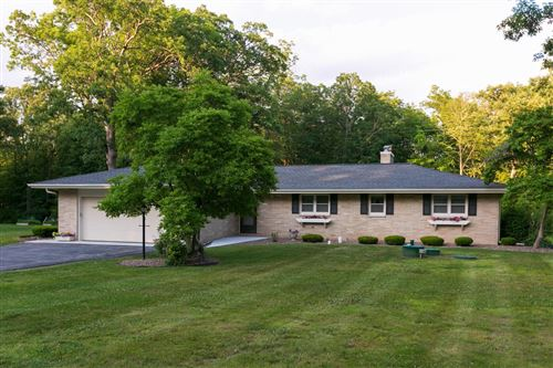 Photo of 1930 Woodland Dr, Caledonia, WI 53108 (MLS # 1748913)