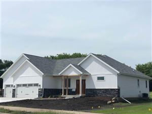 Photo of 3019 Red Hawk Tr, Cottage Grove, WI 53527 (MLS # 1861917)