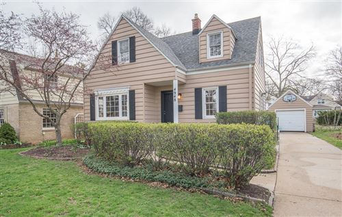 Photo of 4948 N Hollywood Ave, Whitefish Bay, WI 53217 (MLS # 1734918)