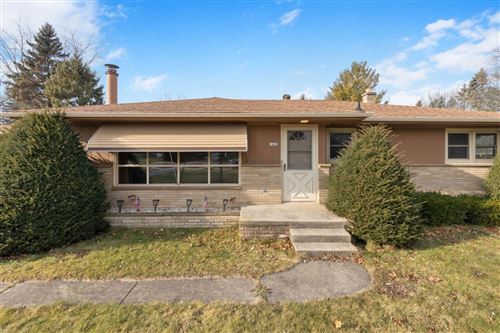 Photo of 1428 Meadowlane Ave, Mount Pleasant, WI 53406 (MLS # 1722920)