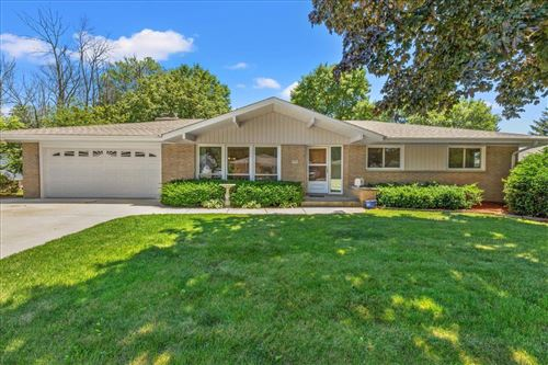 Photo of 5581 Lakeview Dr, Greendale, WI 53129 (MLS # 1750920)
