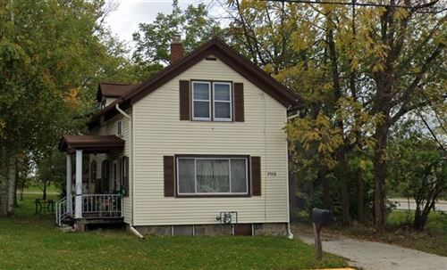 Photo of 7115 S Pennsylvania Ave, Oak Creek, WI 53154 (MLS # 1723921)