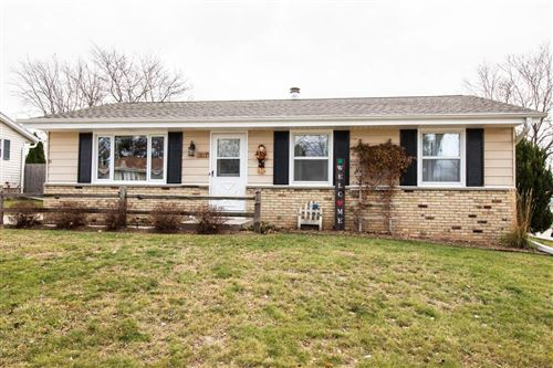 Photo of 1813 Canary  St, West Bend, WI 53090 (MLS # 1718922)