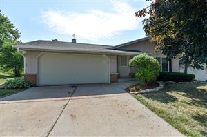 Photo of 6426 Sycamore St, Greendale, WI 53129 (MLS # 1648926)
