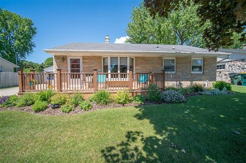 Photo of 900 Beverly Ln, West Bend, WI 53090 (MLS # 1695926)