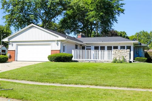 Photo of 1408 Evergreen St, West Bend, WI 53095 (MLS # 1710926)