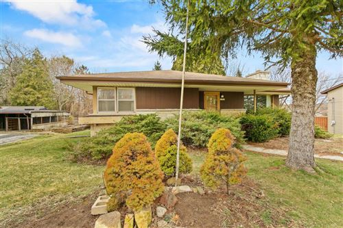 Photo of 10920 W Cold Spring Rd, Greenfield, WI 53228 (MLS # 1677927)