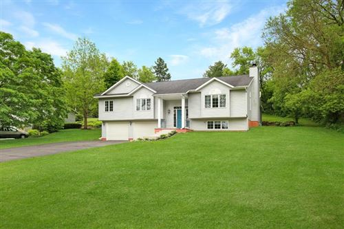 Photo of 515 Lakeview Dr, Walworth, WI 53184 (MLS # 1691928)