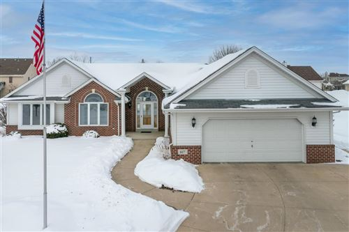 Photo of 617 Two Rivers Dr, Mukwonago, WI 53149 (MLS # 1726928)