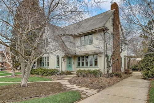Photo of 2712 E Beverly Rd, Shorewood, WI 53211 (MLS # 1673929)