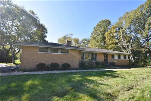 Photo of 2629 W Ranch Rd, Mequon, WI 53092 (MLS # 1712929)