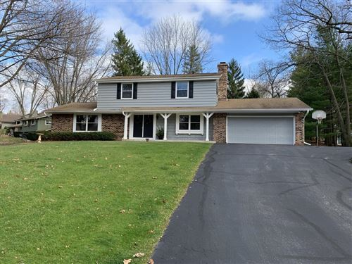 Photo of 724 St Johns Dr, Delafield, WI 53018 (MLS # 1714929)