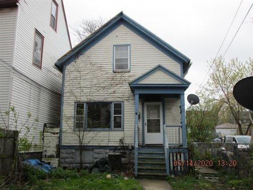 Photo of 2309 W Pierce St, Milwaukee, WI 53204 (MLS # 1688931)