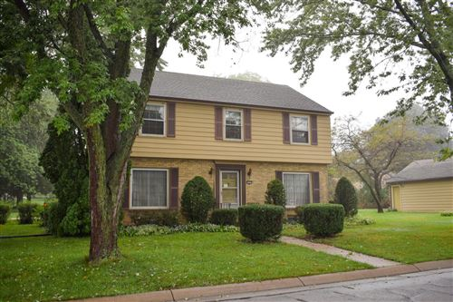 Photo of 3247 S Elmwood Ave, Greenfield, WI 53219 (MLS # 1658933)