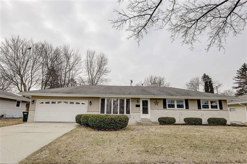 Photo of 813 E Kilbourn Ave, West Bend, WI 53095 (MLS # 1682933)