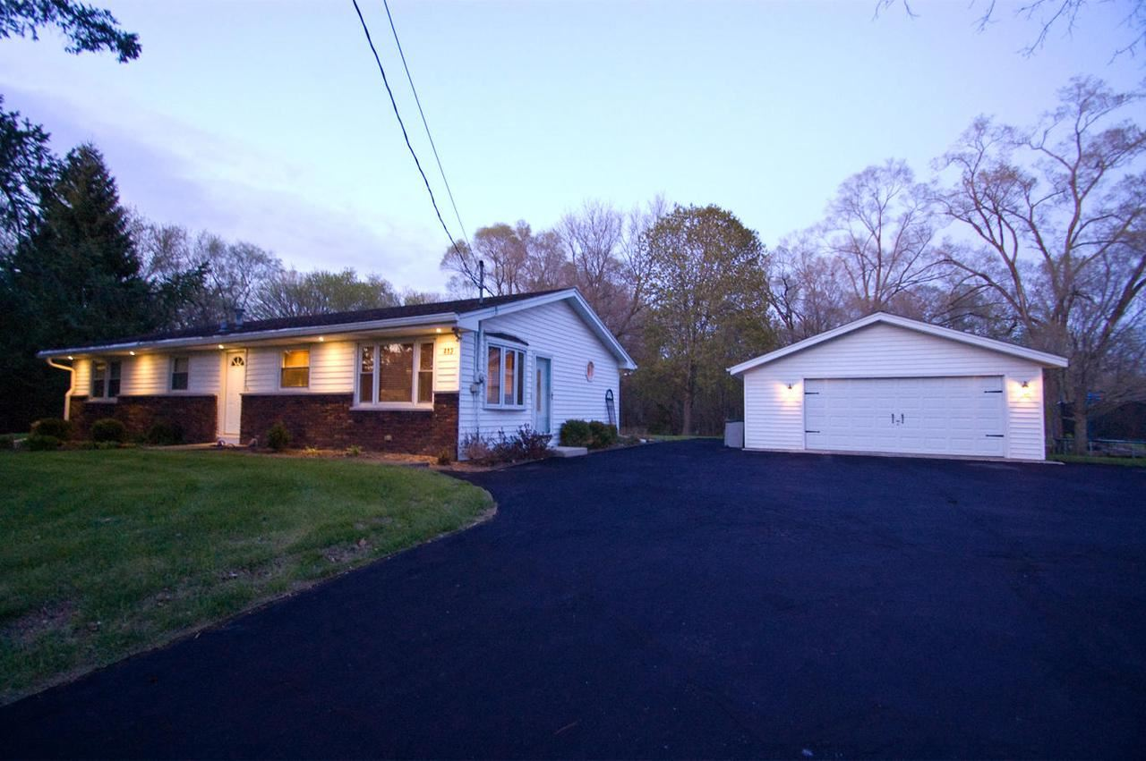413 N Front St, Rochester, WI 53167 - MLS#: 1688934