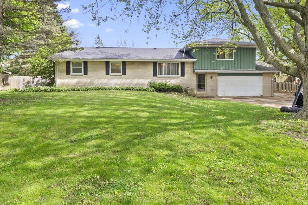 8994 N Silverbrook Ln, Brown Deer, WI 53223 - MLS#: 1690936