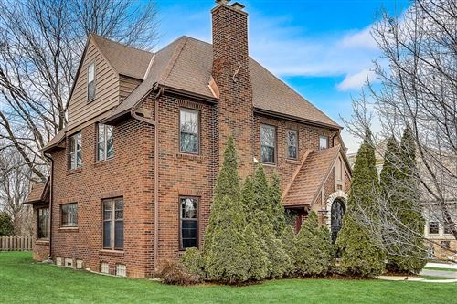 Photo of 627 N 76th St, Wauwatosa, WI 53213 (MLS # 1670938)