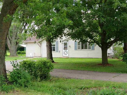 Photo of N5288 County Road A, Juneau, WI 53039 (MLS # 1886938)