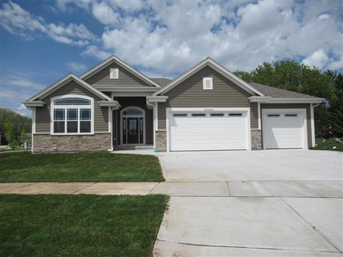Photo of W239N5503 Fieldstone Pass Cir, Sussex, WI 53089 (MLS # 1663939)