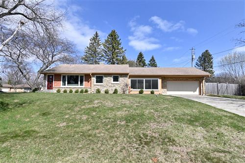 Photo of 8900 N Iroquois Rd, Bayside, WI 53217 (MLS # 1733942)