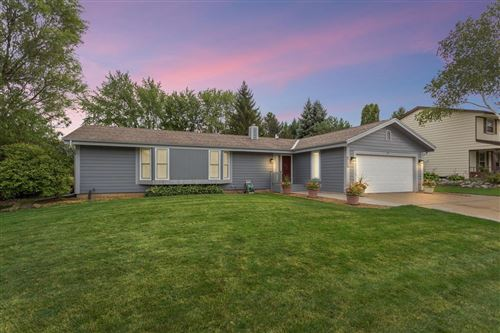 Photo of 7755 W Plainsview Dr, Franklin, WI 53132 (MLS # 1709943)