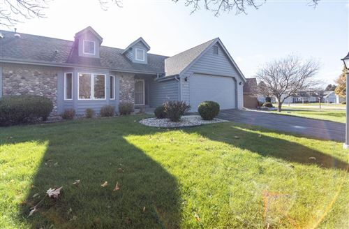 Photo of N98W17973 Bramblewood Ct, Germantown, WI 53022 (MLS # 1667944)