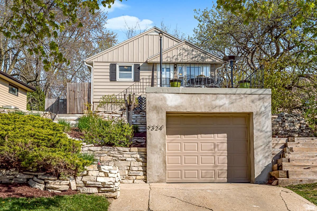 9324 W Park Hill Ave, Milwaukee, WI 53226 - MLS#: 1688953