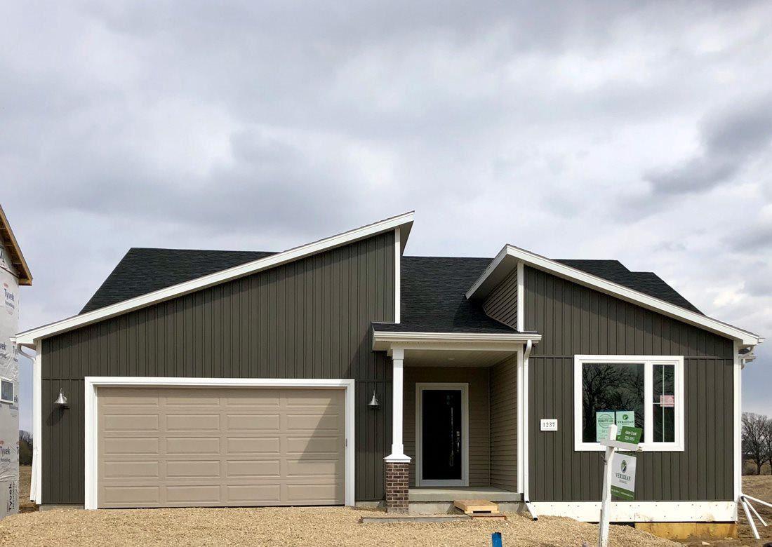 1237 Crane Meadow Way, Sun Prairie, WI 53590 - MLS#: 1880954