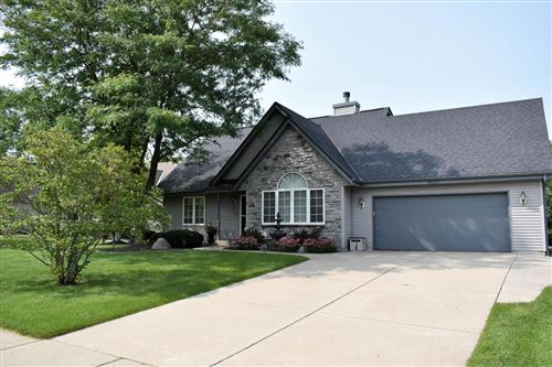 Photo of 8117 S 35th St, Franklin, WI 53132 (MLS # 1709960)