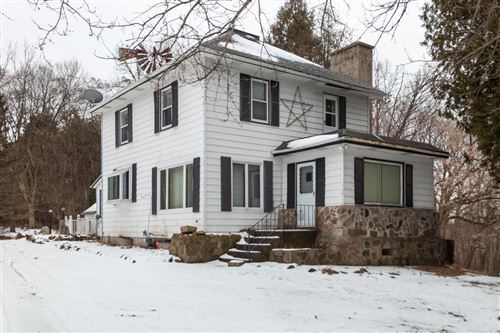 Photo of 6269 Donegal Rd, Hartford, WI 53027 (MLS # 1671963)