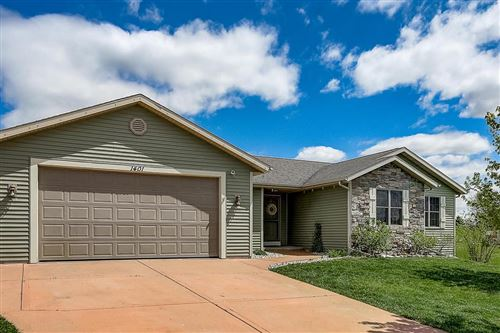 Photo of W1401 Valley View Ct, Ixonia, WI 53036 (MLS # 1690963)