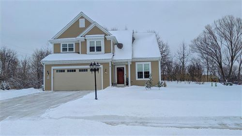 Photo of W235N6588 Outer Circle Dr, Sussex, WI 53089 (MLS # 1725963)