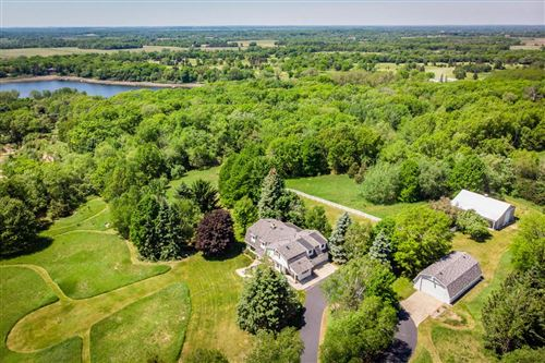 Photo of S46W36550 Carriage Dr, Dousman, WI 53118 (MLS # 1714964)