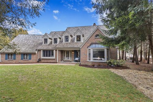 Photo of 9624 N Crestwood Ct, Mequon, WI 53092 (MLS # 1679965)