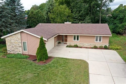 Photo of 7744 W Imperial Dr, Franklin, WI 53132 (MLS # 1709966)