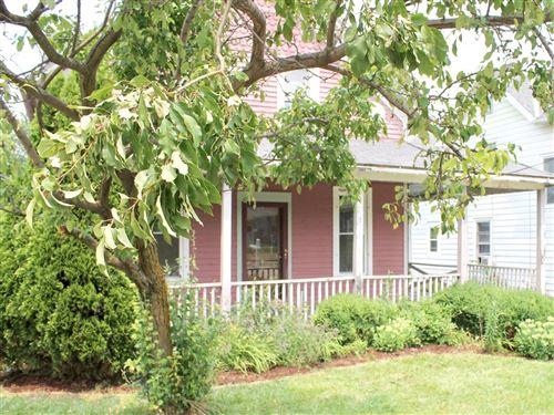 Photo of 220 W Sumner St #220A, Hartford, WI 53027 (MLS # 1753966)