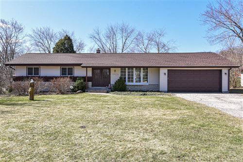 Photo of N25W5159 Hamilton Rd, Cedarburg, WI 53012 (MLS # 1733975)