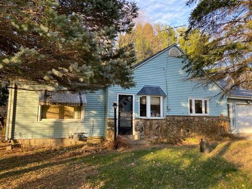 Photo of 2370 Wallace Lake Rd, West Bend, WI 53090 (MLS # 1718976)