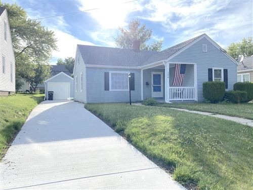 Photo of 306 Hyde Park Ave, Waukesha, WI 53188 (MLS # 1696977)