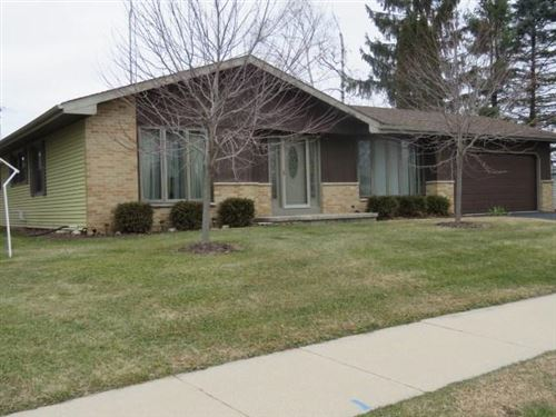 Photo of 143 S Fairfield Ave, Juneau, WI 53039 (MLS # 1898979)