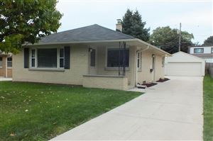 Photo of 3956 S Quincy Ave, Milwaukee, WI 53207 (MLS # 1659982)