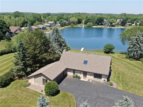 Photo of S76W13502 Fairfield Ct, Muskego, WI 53150 (MLS # 1671988)