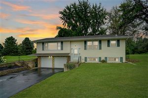 Photo of 3728 Vilas Rd, Cottage Grove, WI 53527 (MLS # 1866990)