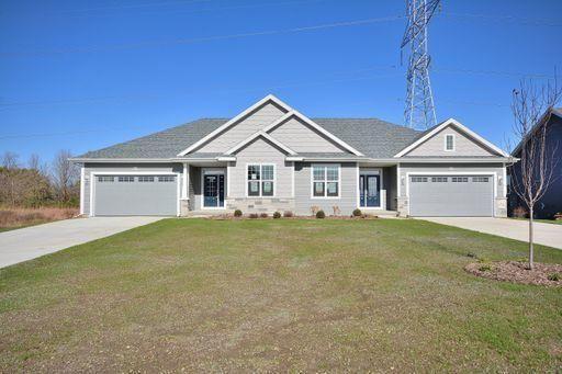 N62W21696 Augusta Pkwy, Menomonee Falls, WI 53051 - MLS#: 1682990