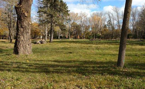 Photo of 8120 N Gray Log Ln, Fox Point, WI 53217 (MLS # 1698991)