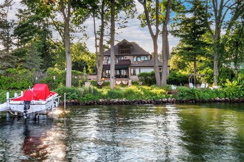 Photo of 9 Hillside Dr, Lake Geneva, WI 53147 (MLS # 1752991)